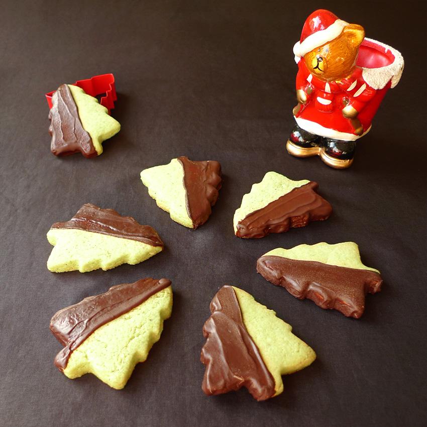 biscuits-sapins-pistache-choco